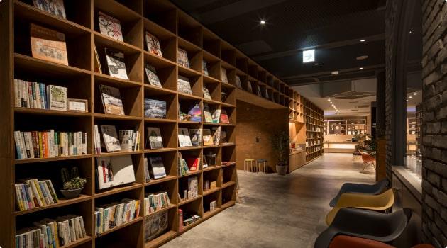 お気に入りの一冊が見つかる?豊富な蔵書「森の図書館」