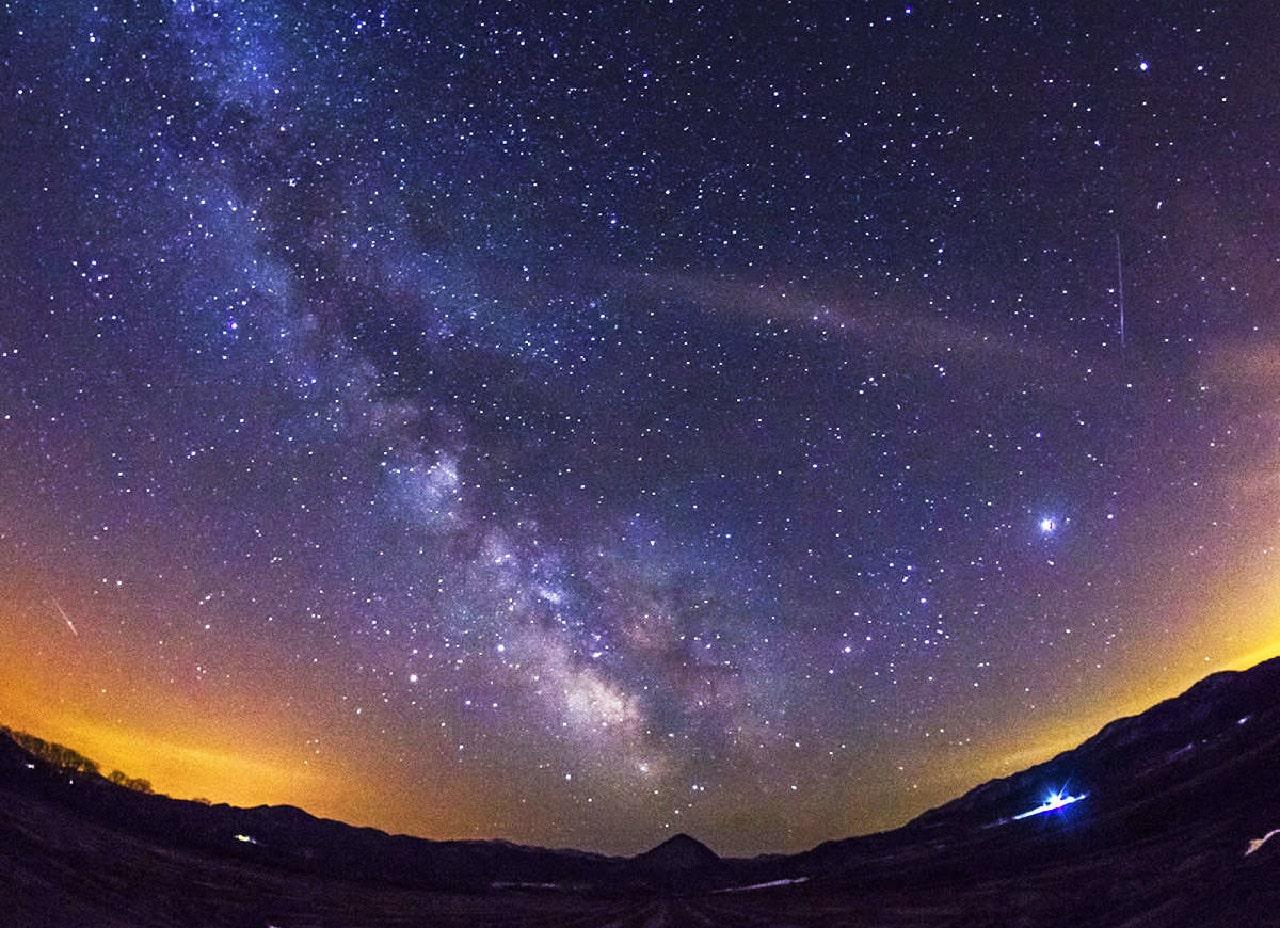 まるで夜空から降ってくるかのような『満天の星空』が目の前に