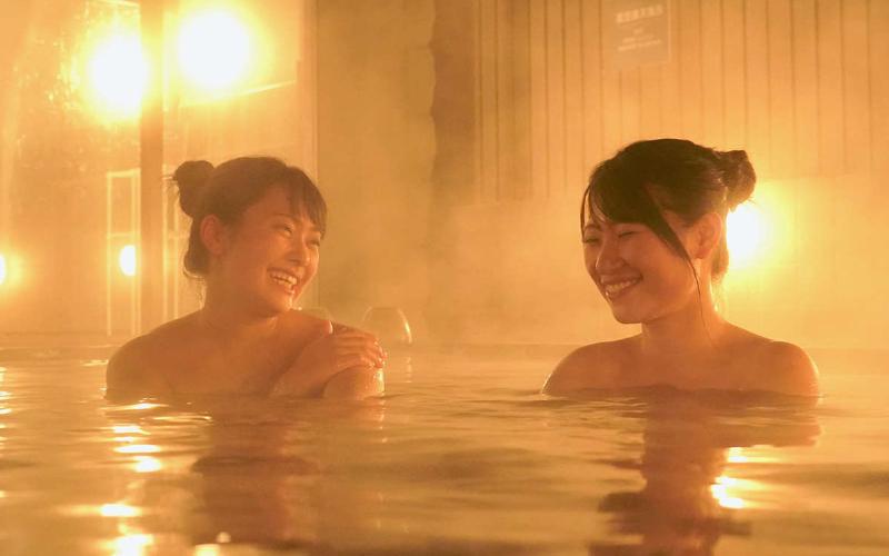 美肌効果のある別名「美肌の湯」 女性2人
